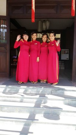 Little Hoian Boutique Hotel & Spa: The reception staff