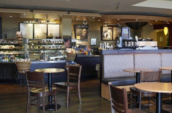 Village Hotel Bournemouth: Starbucks