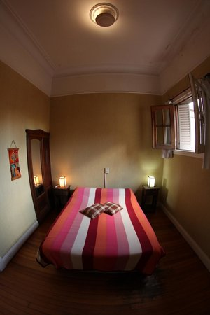 Republica San Telmo: Hotel double room ensuite