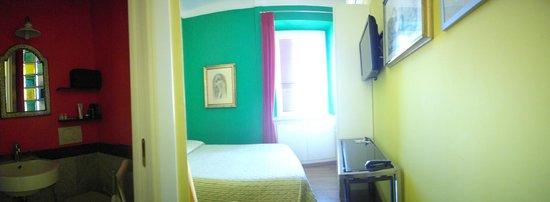 La Casa di Piero al Vaticano: camera matrimoniale