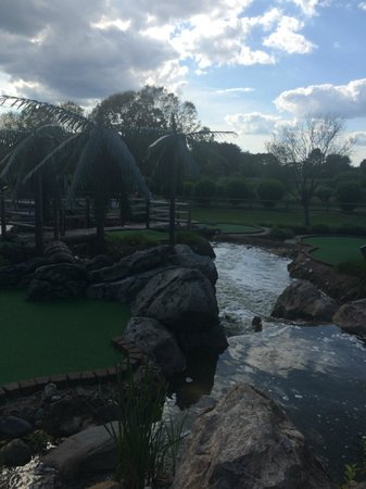 Mulligan's Island Golf & Entertainment: Mulligan's Island