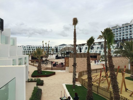 Hard Rock Hotel Ibiza: View from the balcony to courtyard