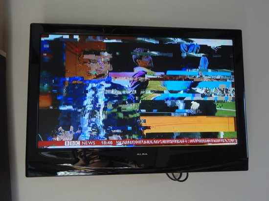 The Godstone Hotel: Pixelating tv!