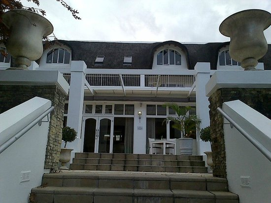 Le Franschhoek Hotel & Spa : View from the outside area.