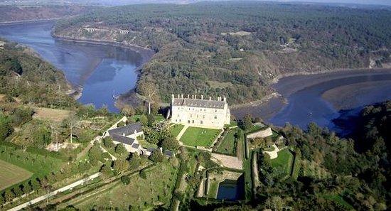 Chambres D'hotes Saint Yves : chateau de la roche jagu