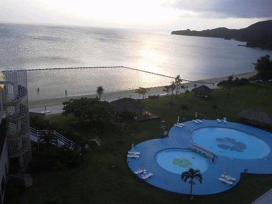 Ishigaki Seaside Hotel: 夕方