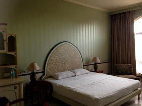Hotel Gaj Kesri: Bedroom