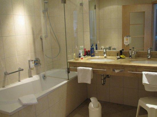Ringhotel Weisser Hirsch : Komfortzimmer, Badezimmer