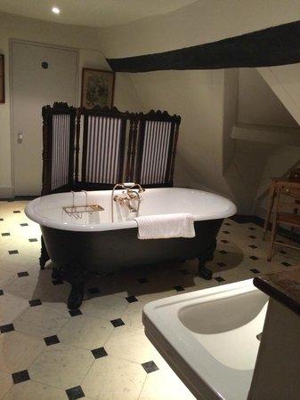 Woolley Grange: West Gable bathroom