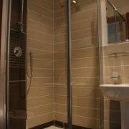 Guest House Maison Colosseo : Bathroom