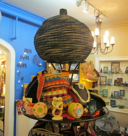 The Little Traveler : Fair Trade Gallery