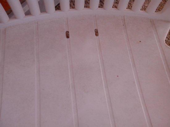 Mercure Hyeres Centre Hotel : chaise balcon