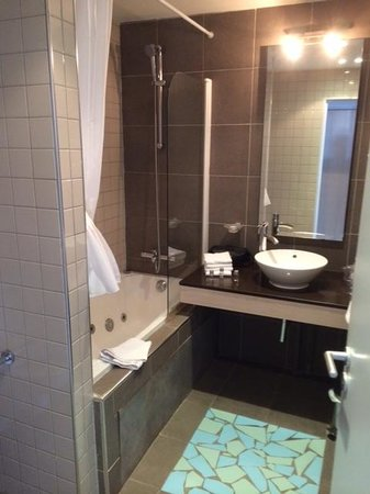 Grand Tonic Hotel Vieux Port: Bathroom