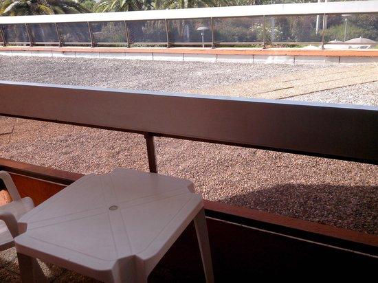 Mercure Hyeres Centre: balcon sur toit