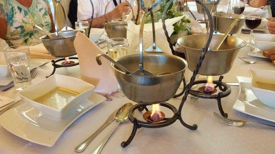 DLI Travel - Spiritual Holiday Day Tour: Elegant Dinners