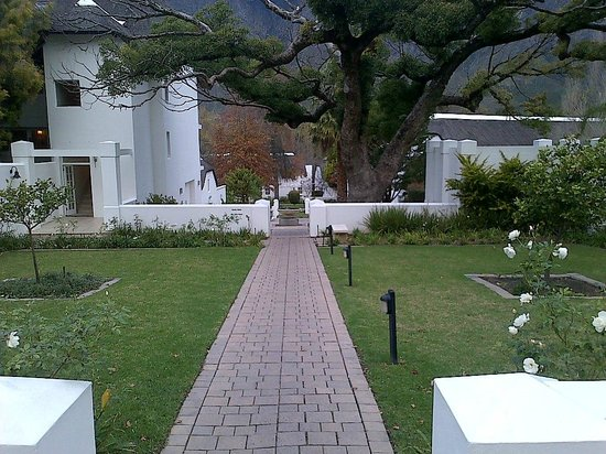 Le Franschhoek Hotel & Spa : Beautiful gardens surrounding the hotel