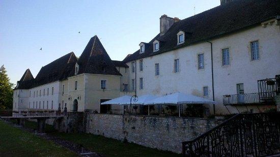 Château de Gilly : Vue extérieure