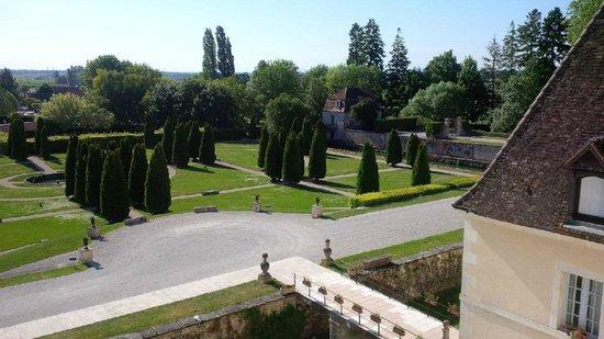 Chateau de Gilly: Vue de notre fenêtre de chambre