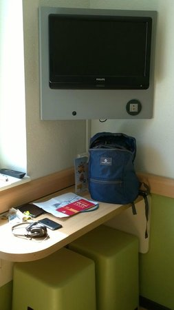 Ibis Budget Antwerpen City Central Station : Desk