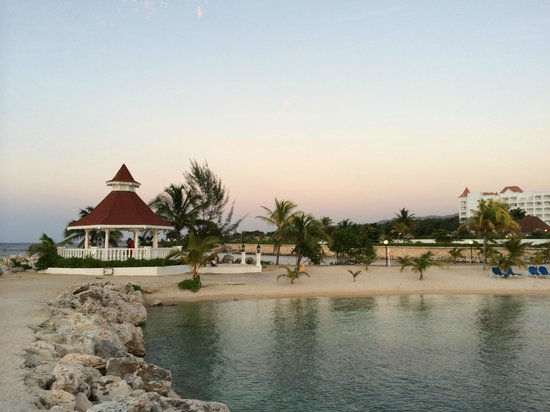 Grand Bahia Principe Jamaica: Wedding Gazebo