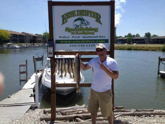 "Oak Harbor, OH: Erie Drifter - Fish Ohio 30"" Walleye"