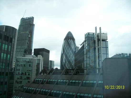 DoubleTree by Hilton Hotel London -Tower of London: From our 10th floor room.