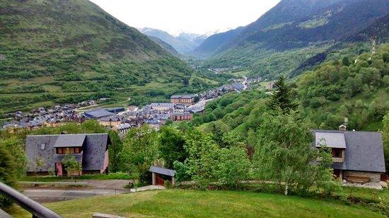 Parador De Vielha: Vista desde la Terraza del Bar.