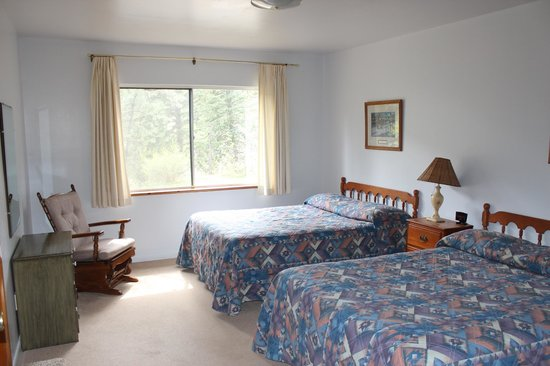 Workshire Lodge: bedroom of Cabin 5 - a 1 bedroom unit