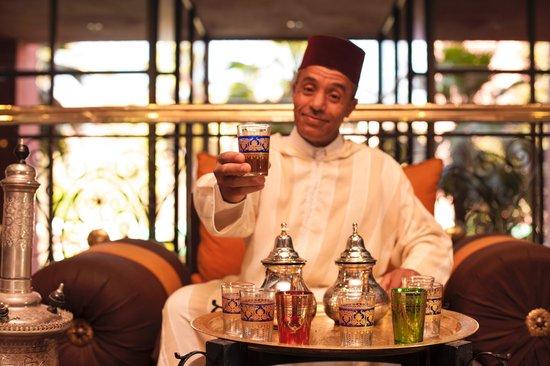 Hotel Kenzi Farah : Tea Man
