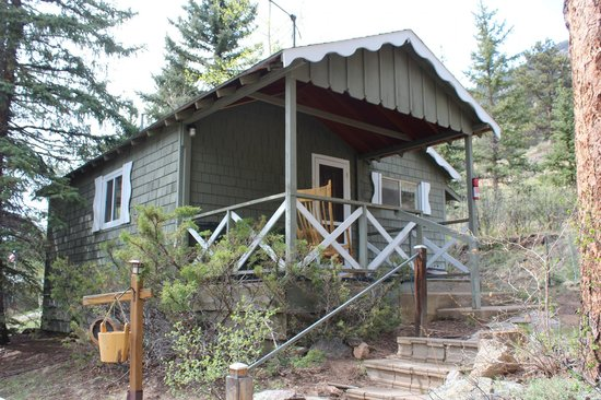 Workshire Lodge: Exterior of Cabin 8 - a 2 bedroom unit