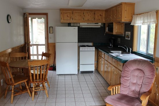 Workshire Lodge: Kitchen of Cabin 8 - a 2 bedroom unit