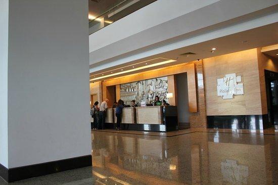 Holiday Inn Melaka : ロビー周辺