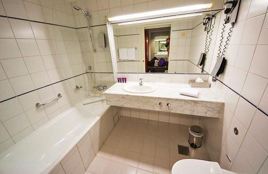 Clarion Collection Hotel Arcticus: Badrum