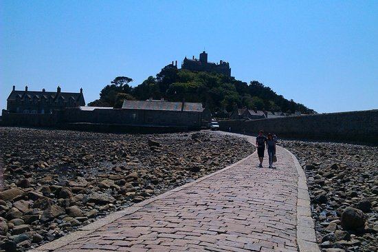 River Valley Country Park : St Michaels Mount. very near River Valley