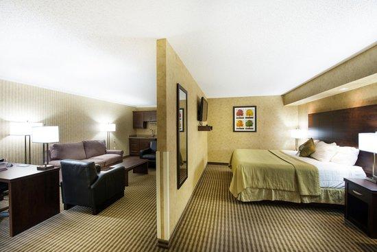 Victoria Inn Hotel & Convention Centre: VIP Suite