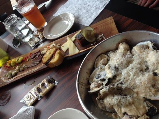 Kermit's Outlaw Kitchen: Appetizers: Oysters and Cheese Plate
