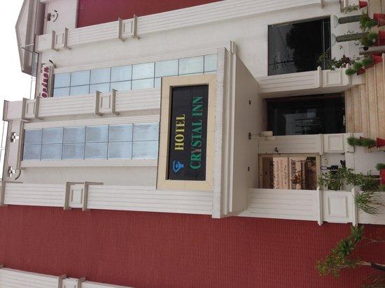 Hotel Crystal Inn: Building of the hotel