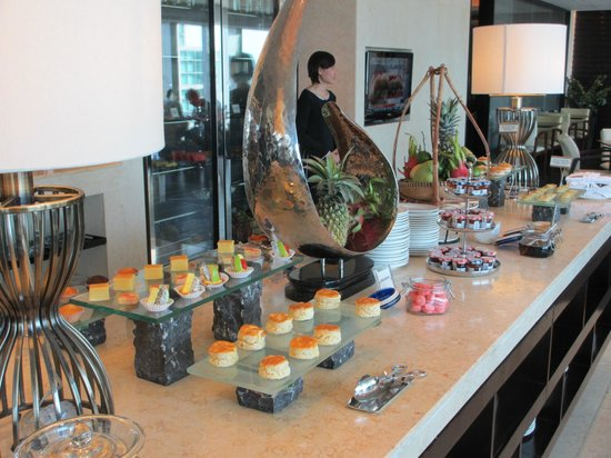 InterContinental Saigon Hotel: Afternoon Tea in the Club Lounge