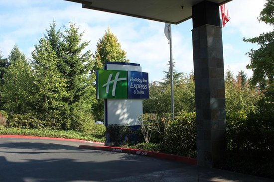 Holiday Inn Express & Suites Seattle Sea-Tac Airport: ホテルの看板