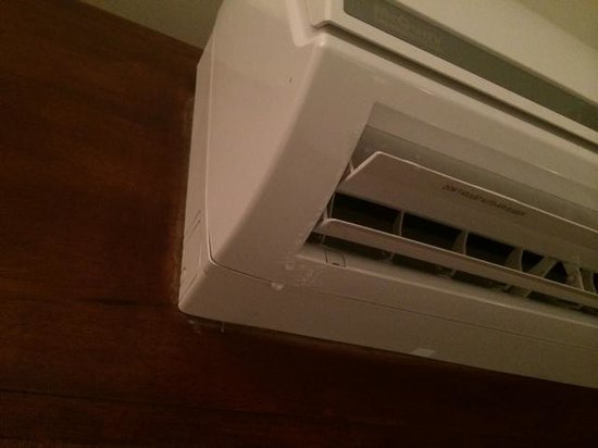Le Reve Hotel & Spa: Air conditioner leaked our entire stay. It was NEVER fixed & they never offered us a proper solu