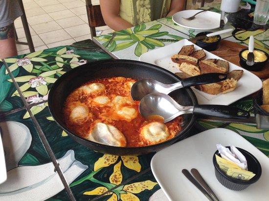 Gingerbread Hotel : Hot breakfast