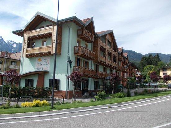 Sporthotel Rosatti : bâtiment relayé au bâtiment principal par un tunnel