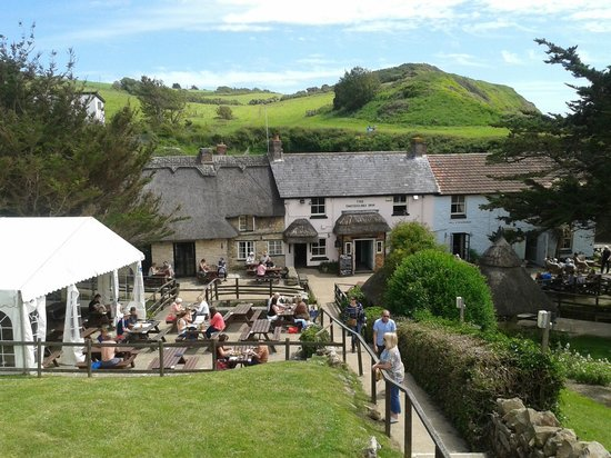 The Smuggler's Inn: The lovely smugglers pub.