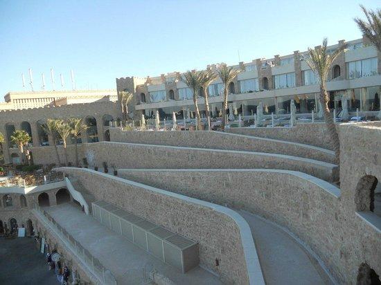 Citadel Azur Resort: Территория