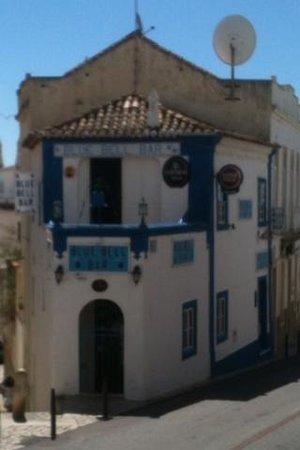 Hotel Vila Recife: Blue bell pub