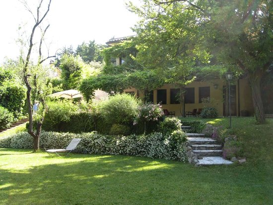 Villa Magnolia Relais: The Peaceful Garden and Villa