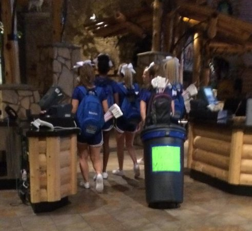 Great Wolf Lodge: Blocking with bodies and equipment