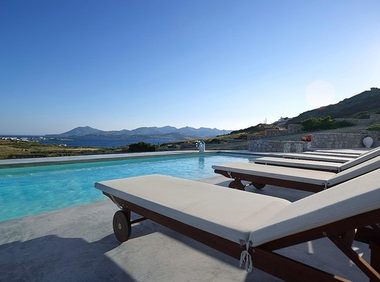Villa Gallis: Πισίνα και θέα