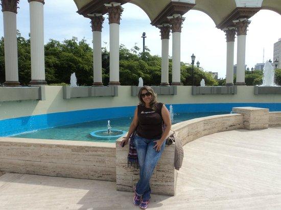 Plaza del Rosario de Nuestra Senora de Chiquinquira : sentadita