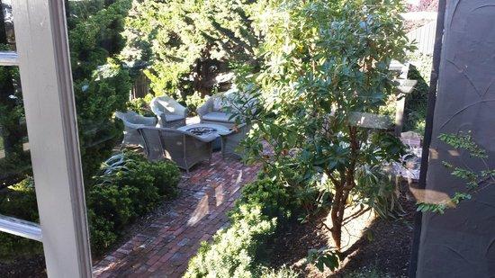 Sandpiper Inn Carmel: Garden